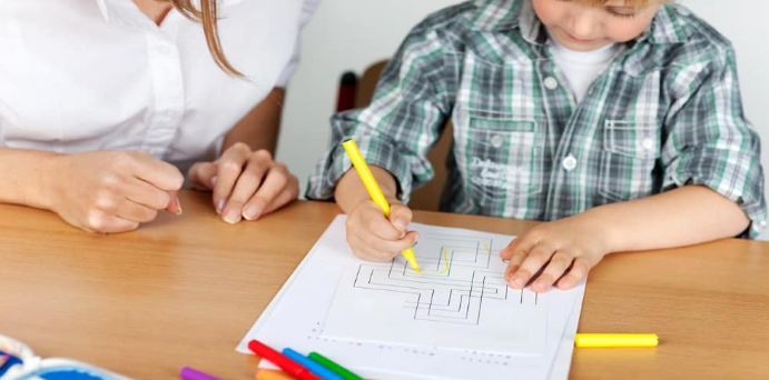 Éducation d'un enfant débordant d'imagination : comment s'y prendre ?